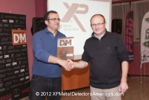 Pictured above Alain Loubet receiving prize for best brand award from Detection y Monedas  magazine.